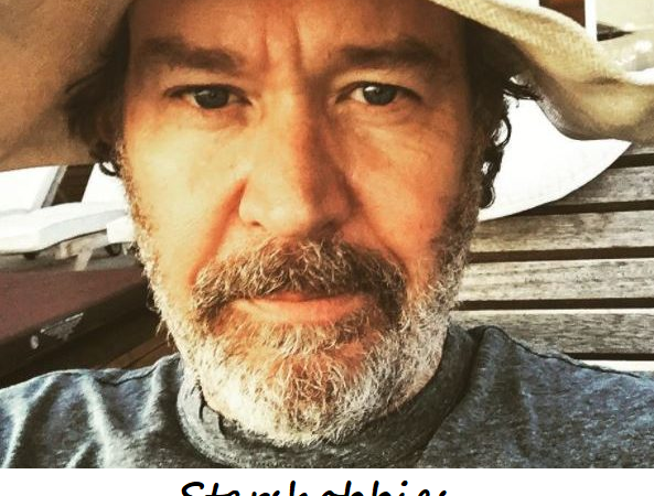 Timothy Hutton Wiki 2021: Age, Height, Career, Relationship and Net Worth